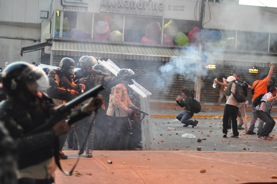 Tear gas used by the National Police in Venezuela against a protest Caracas.