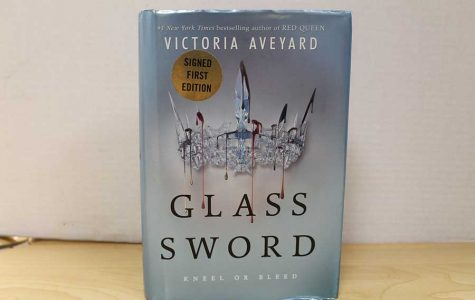 The Glass Sword by Victoria Aveyard keeps readers on the edge of their seats.