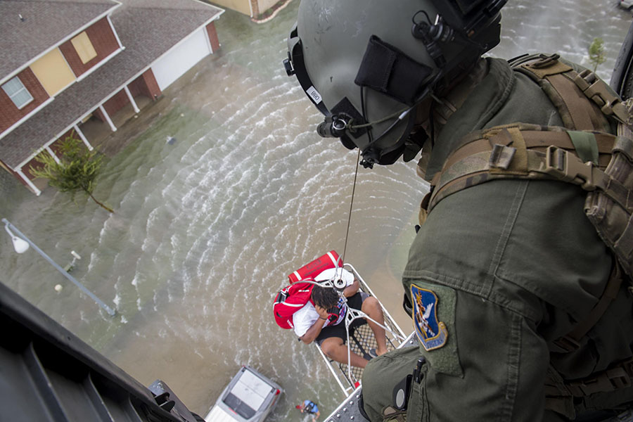 Coast+Guard+rescuing+people+through+the+Harvey+flooding
