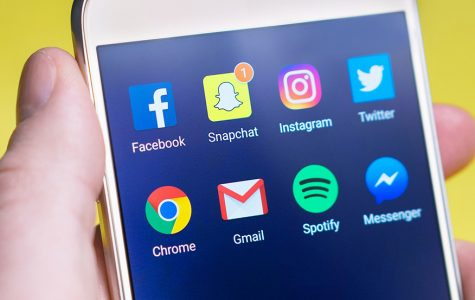 Social Media Crushing Teenage Girls' Confidence