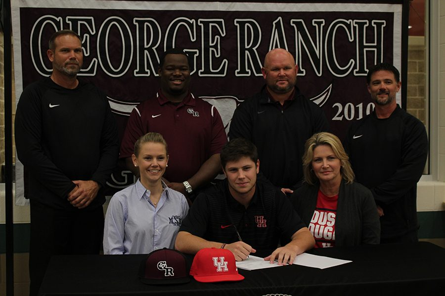 Ty Abraham signs his way into the University of Houston.