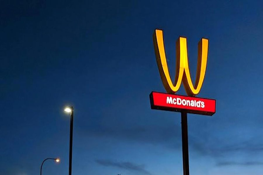 Why+Is+McDonald%27s+Flipping+Their+Iconic+Arches%3F