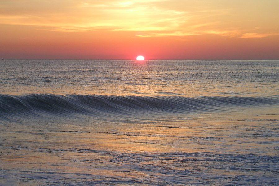 Sunrise_at_ocean