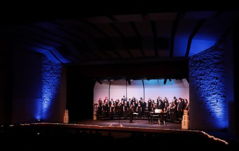 Men's and Women's Varsity Chorale performing.