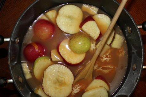 The hot cider teems with flavor as the richness of the fruits and the flavorful seasoning makes a delicious drink!
