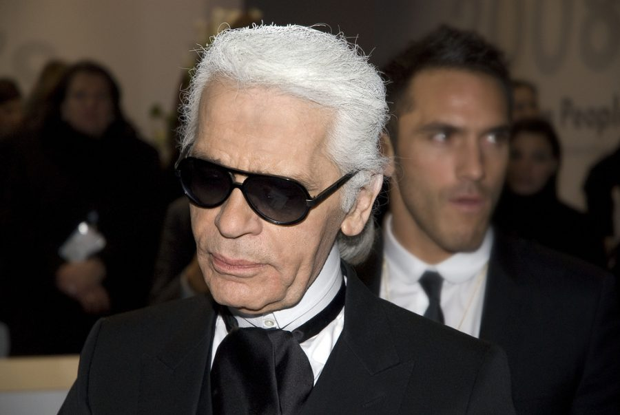 https://commons.wikimedia.org/wiki/File:Karl_Lagerfeld_Berlinale_2008.jpg