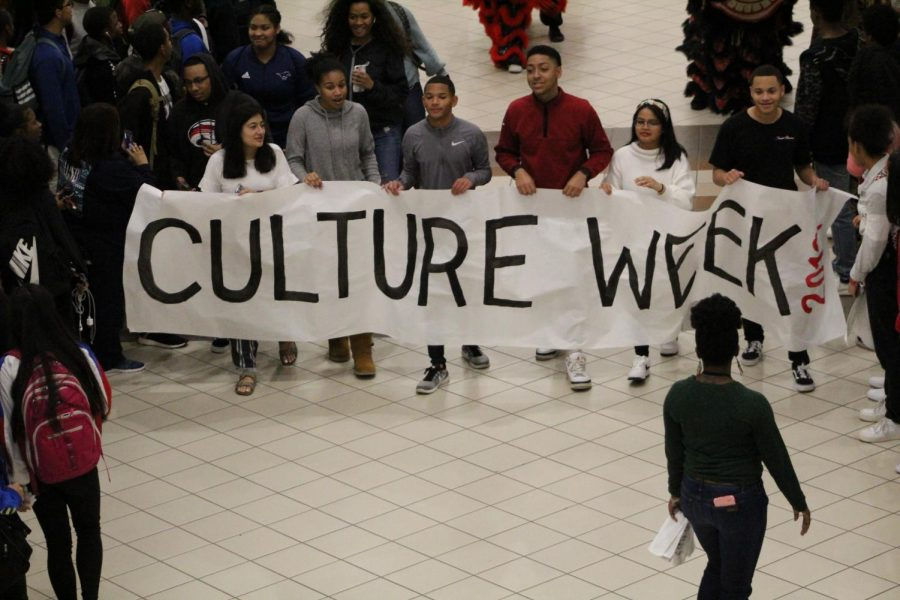 GRHS Student Council members start off culture week!