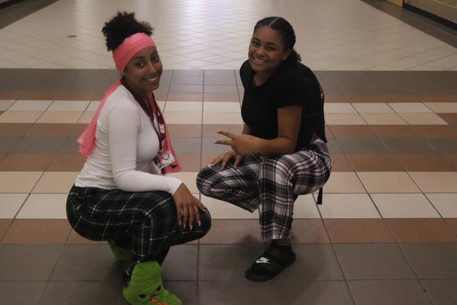 Ayanna youngblood (11) Alicia Ragston (11)