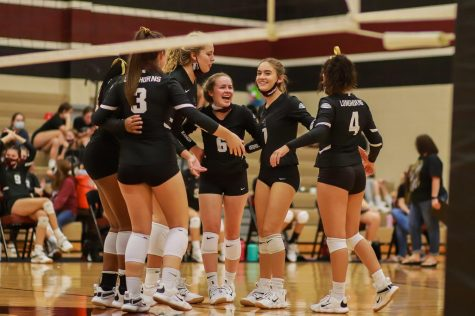 The Longhorns are on their third set against Angleton, and the energy created in the gym is on fire! The Longhorns are looking to have a successful season as they have had 4 consecutive wins in a row.