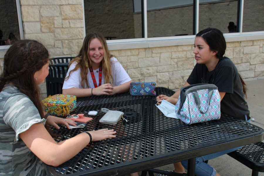 Kylie Stubbs, Emmy Gandy, and Ivanna Martinez enjoy a peaceful chat as they eat lunch outside amid the Pandemic.