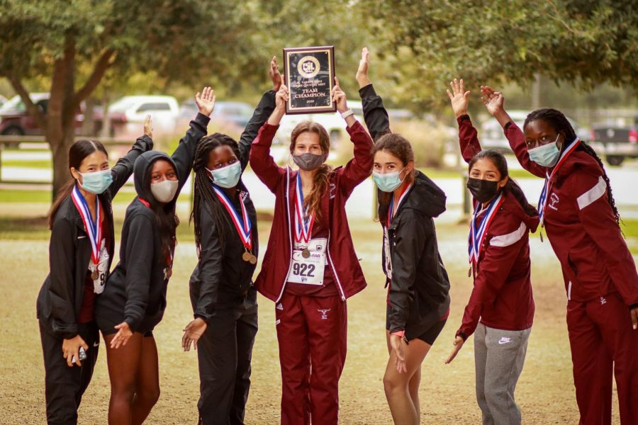 The GRHS JV XC Girl's finished their 2020 season with the District Championship title.