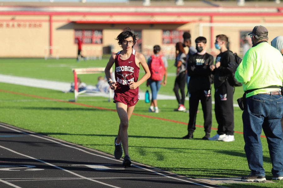 Dominic Accardo (10) was nice and relaxed through out the pain inducing 3200m.